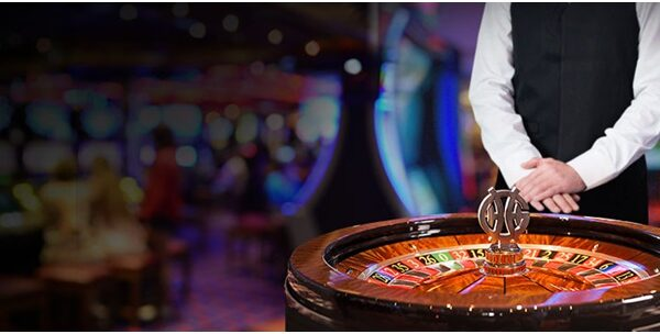 What is meant by blackjack and what are the types available in it?